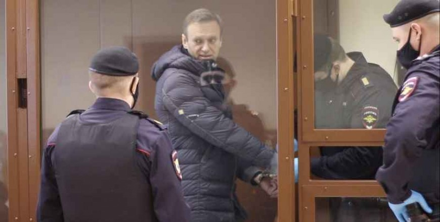 EU to impose sanctions on Russians over Navalny by March summit