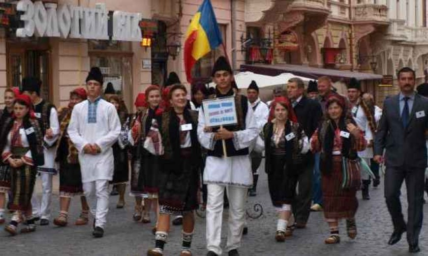 Reforma administrativ-teritorială din Ucraina: viitor incert pentru comunitatea românească din Cernăuți