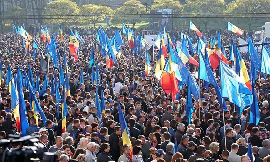 Chișinău: SOS, București!